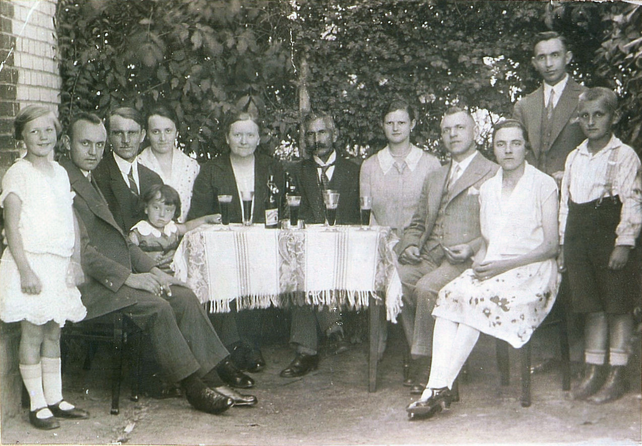 familie-gauger-in-luebchow-1930-01